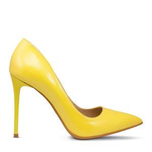 Pantofi cu toc dama Waer Stilettos, de culoare galbena, din profil, pe fundal alb.